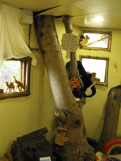 Coombes Tree House 2