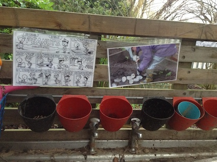Mud Kitchen Ideas Eyfs.What Makes A Brilliant Mud Kitchen Creative Star Learning I M A